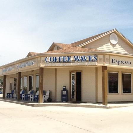 Port-Aransas-Dining-Coffee-Waves-storefront
