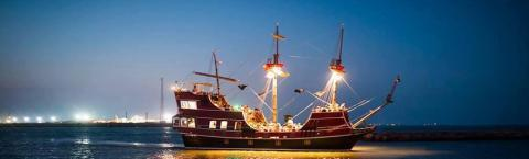 Red Dragon Pirate Cruises Things To Do In Port A