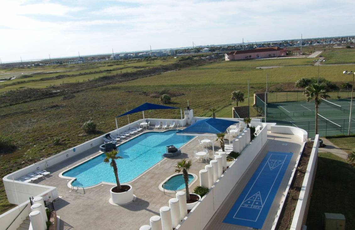 pool at Aransas Princess condos