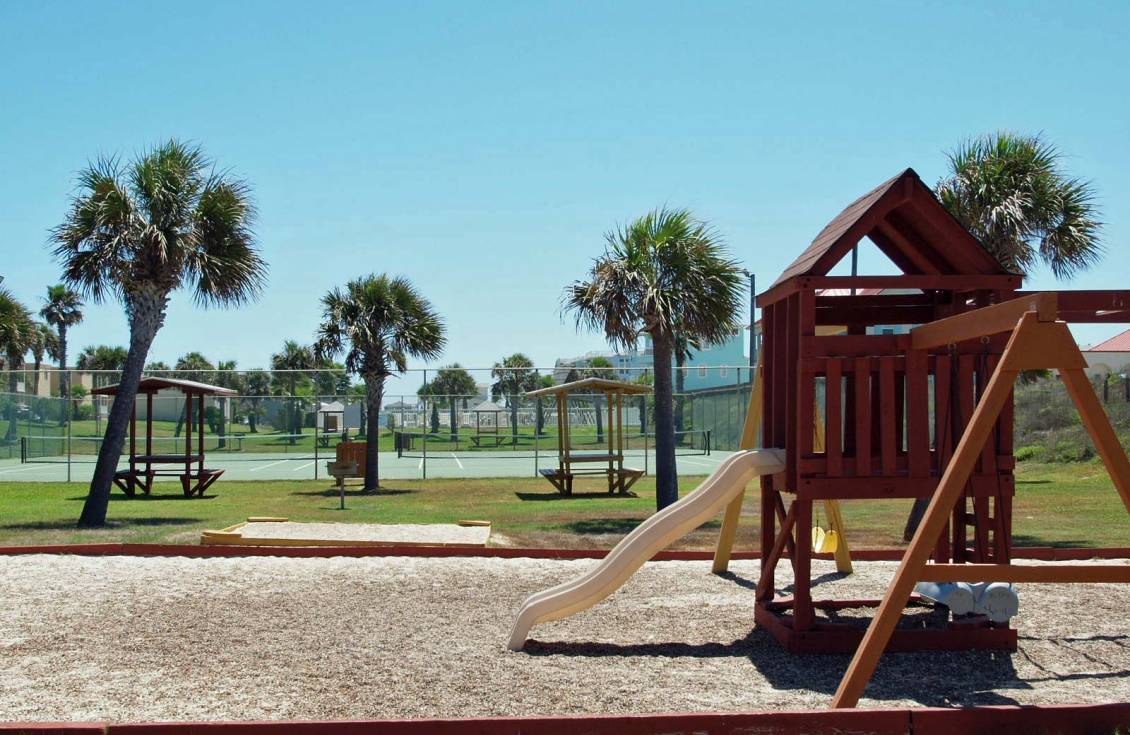 playground at Island Retreat condos